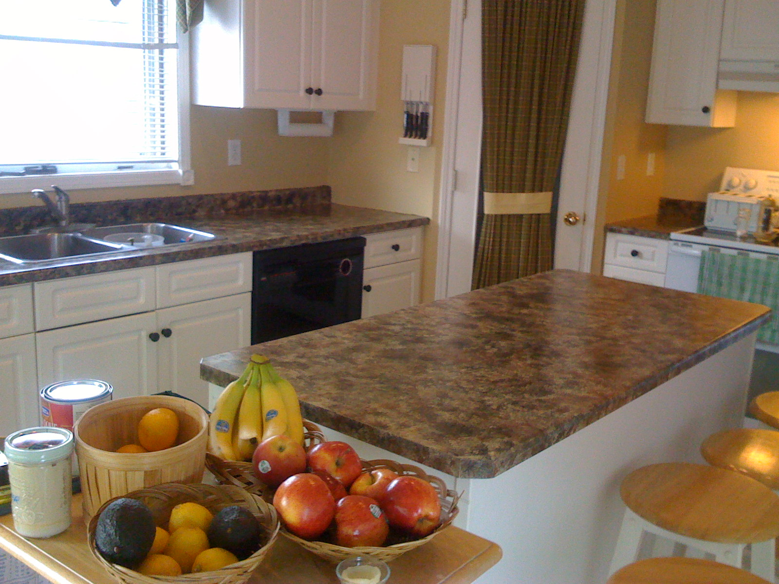 Yellow Countertop Paint : on the left are the countertops island and cupboard that i painted for ...