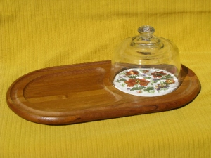 retro-70s-vintage-teak-wood-fruit-and-cheese-board-glass-dome-cover-1stopretroshop-b9635-1